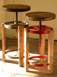 Sula Reclaimed Stool - Red